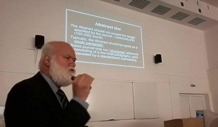 Проф. Стойнев: Ролята на науката в модерната медицина не може да бъде друга освен водеща
